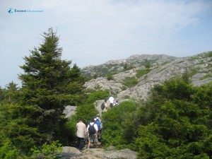 Hiking from Monadnock State Park Headquarters to Mt Monadnock Summit
