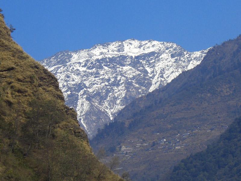 22 Himal ko kakh ma chha sanu mero Gaon