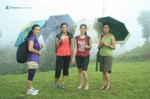 21-Umbrella girls