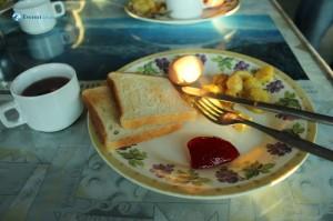 31. Breakfast Served