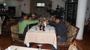 42. Cheers !!! while the dinner arrives