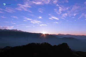 49. Sunrise from Kalinchowk top