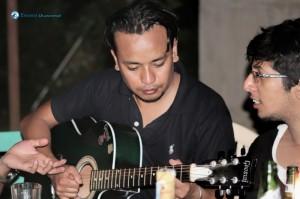 28.Sober Guitarist