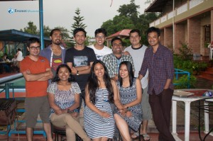 27. Happy Team