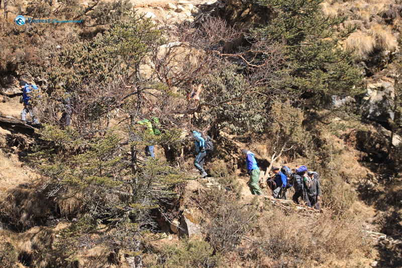44. Climbing queue