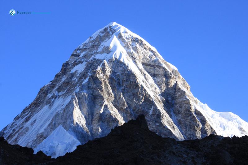 56. Mt Pumori