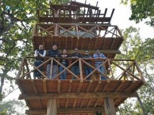 29. Groupie on indigenous tower