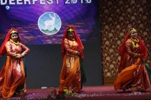 Kamar Mathi Patuki Dance Moments