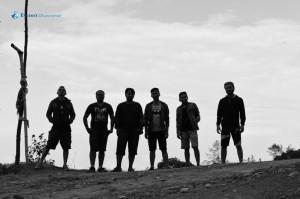 25. Mens in Black