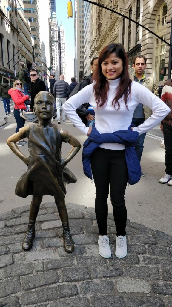 Fearless girl in New York