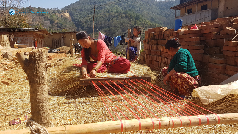 6. Weaving Straw Mattresses