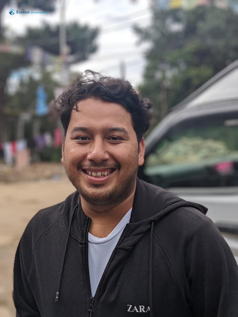 Hiker Giriraj Khatri