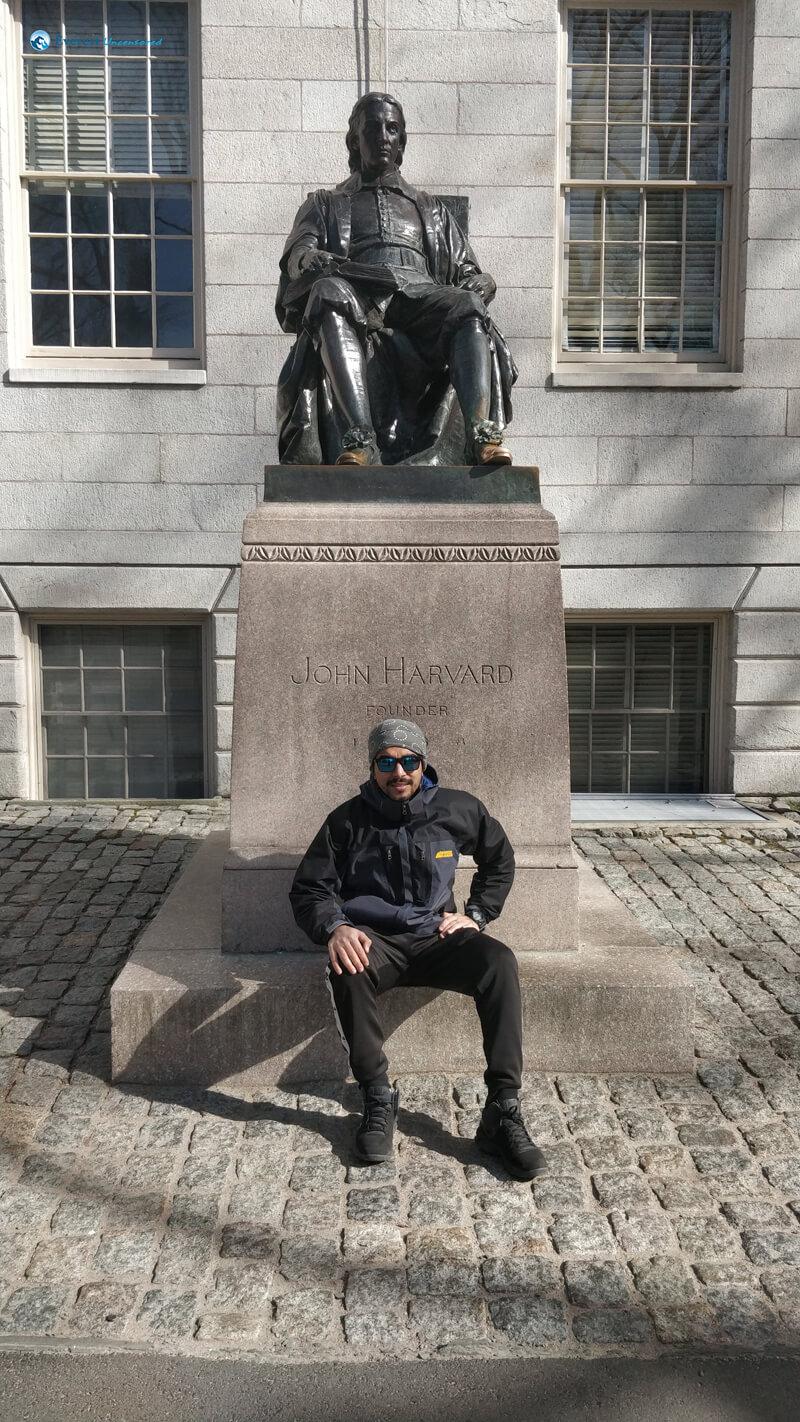 Mimicking John Harvard